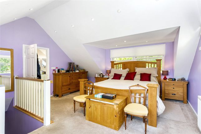 Picture No. 17 of The Glade, Kingswood, Tadworth, Surrey KT20