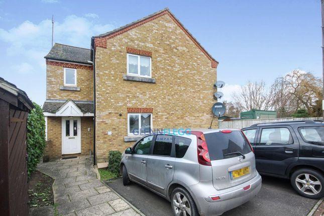 Thumbnail Flat to rent in Hunstanton Close, Colnbrook, Berkshire
