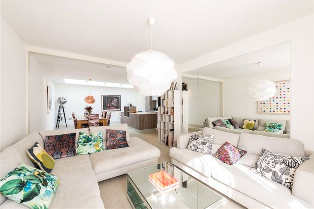 3 bed mews house for sale in Petersham Mews, London SW7