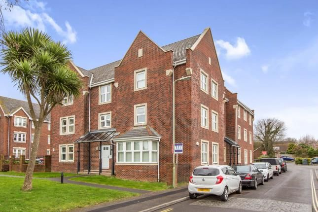 Thumbnail Flat for sale in Oysell Gardens, Fareham, Hampshire