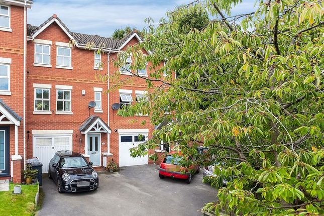 3 bed town house for sale in Elvington Close, Congleton CW12