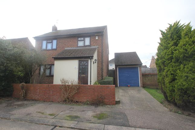 Thumbnail Detached house for sale in Gatscombe Close, Hockley