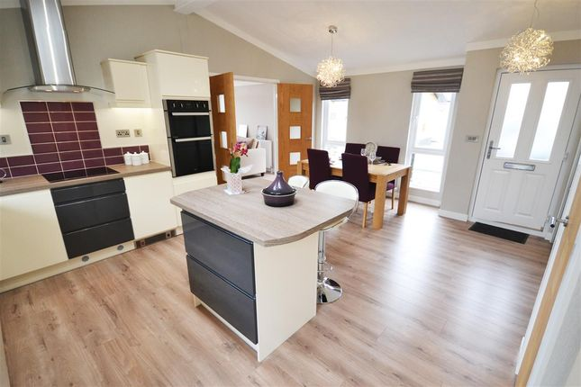 Sandy Bay Thorney Bay Road Canvey Island Ss8 2 Bedroom