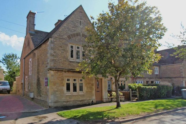 Thumbnail Terraced house to rent in Towngate East, Market Deeping, Peterborough