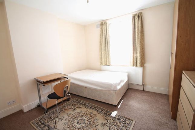 Thumbnail Room to rent in Hillingdon Hill, Uxbridge