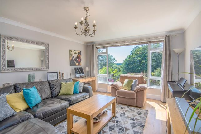 Thumbnail Flat for sale in Chase Ridings, Enfield