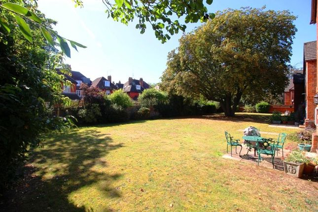 Img_9727 of Parkhouse Lane, Reading RG30