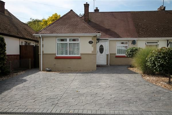Thumbnail Bungalow for sale in Turpins Avenue, Holland-On-Sea, Clacton-On-Sea