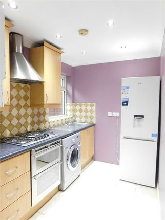 Thumbnail Flat to rent in North Road(Including Gas, Electric And Water Bills), Southall, Greater London