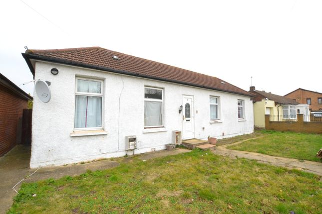 Thumbnail Detached bungalow to rent in Curtis Road, Whitton, Hounslow