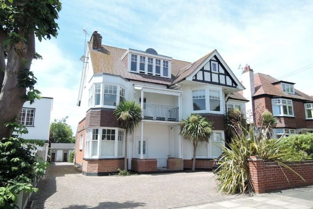 Thumbnail Flat for sale in Third Avenue, Frinton-On-Sea