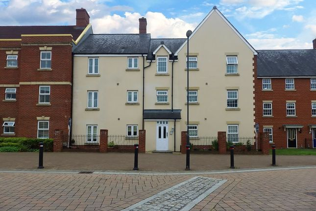 Thumbnail Flat to rent in Thursday Street, Swindon, Wiltshire