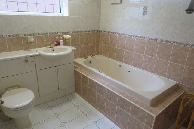 Bathroom of Valley Road, Lillington, Leamington Spa CV32