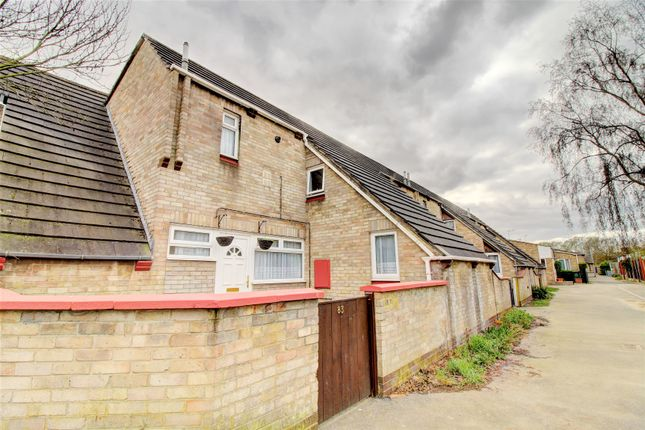 3 bed end terrace house for sale in Moretons Place, Moretons, Basildon SS13