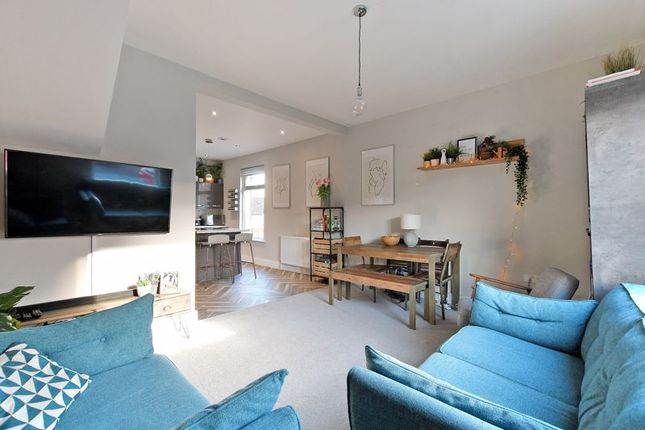 2 bed flat for sale in Cliffefield Road, Meersbrook, Sheffield S8