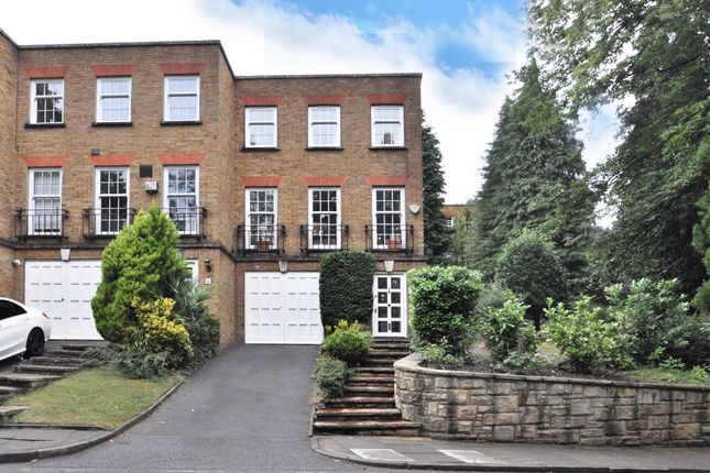 Thumbnail 4 bed town house for sale in Woodclyffe Drive, Chislehurst, Kent