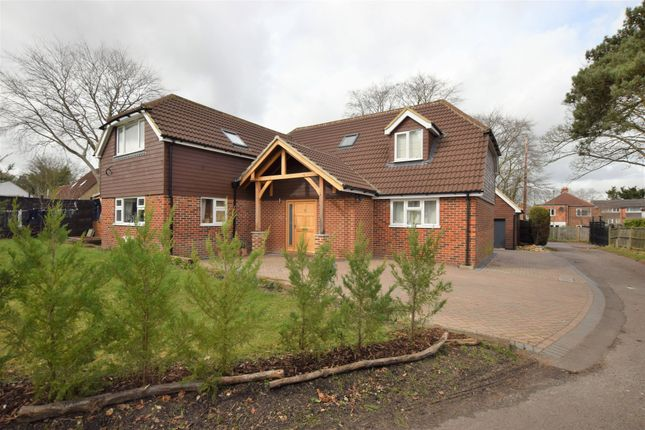 Thumbnail Detached house for sale in Mariners Drive, Farnborough
