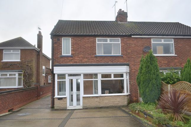 Thumbnail Semi-detached house to rent in Hartshead Avenue, Scunthorpe