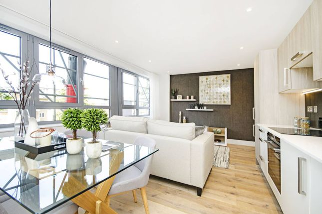 Thumbnail Flat for sale in Groupama House, New Barnet