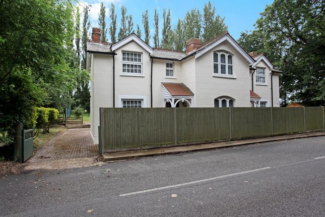 Thumbnail Semi-detached house to rent in Hatchet Lane, Winkfield, Windsor