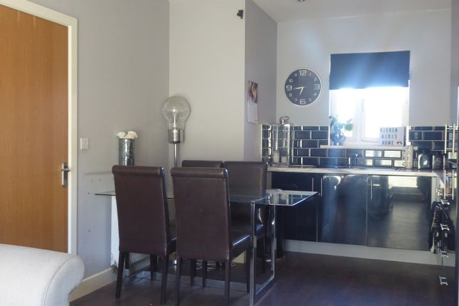 Kitchen of Leyland Drive, Dunstable LU6