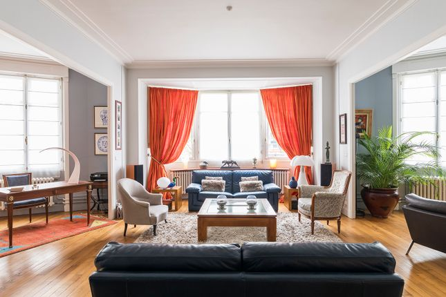 3 bed apartment for sale in Boulogne-Billancourt, Paris, France
