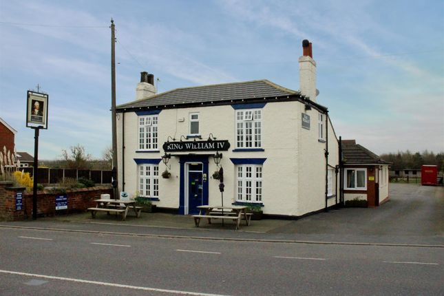 Thumbnail Restaurant/cafe for sale in Scawby Road, Scawby Brook, Brigg