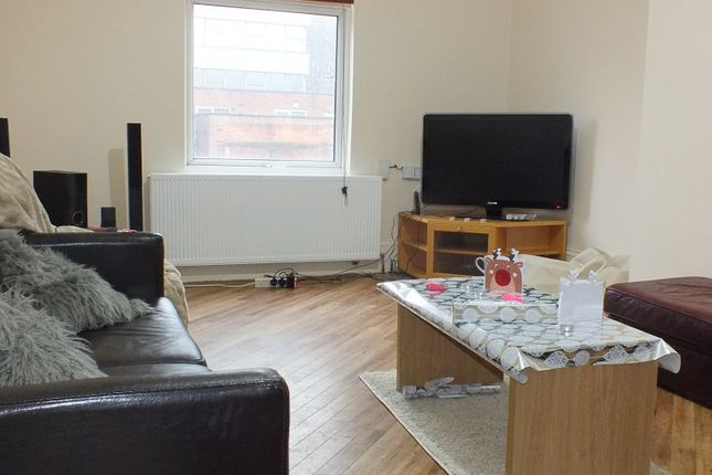 Thumbnail Flat to rent in Otley Road, Leeds, West Yorkshire