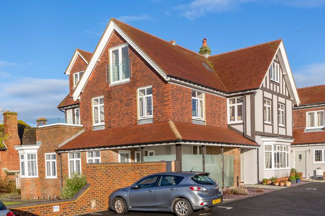 2 bed flat for sale in Newick Place, Marine Drive, Rottingdean, Brighton