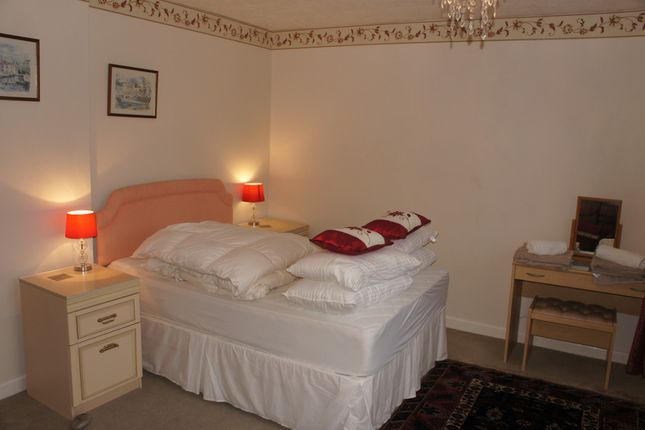 Bed 1 of Culverhayes, Beaminster DT8
