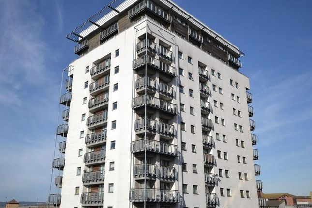 Thumbnail Flat for sale in Queen Street, Cardiff