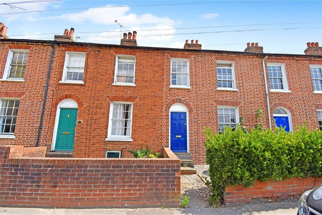 2 bed terraced house to rent in Shaw Road, Newbury, Berkshire RG14