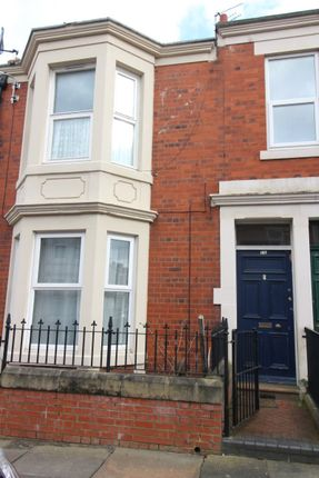 3 bed flat to rent in Wingrove Avenue, Newcastle Upon Tyne