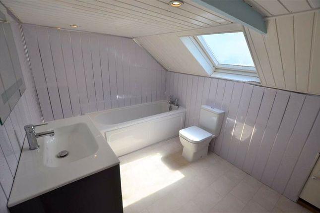 Bathroom of Low Street, Swinefleet, Goole DN14