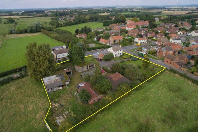 Thumbnail Land for sale in Sunnyside, Caenby