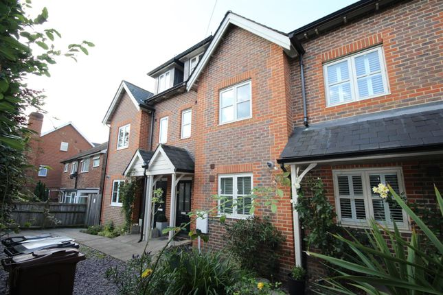 Thumbnail Terraced house to rent in Hailsham Road, Heathfield