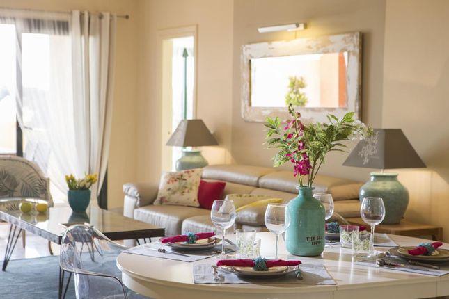 3 bed apartment for sale in Benahavis, Spain
