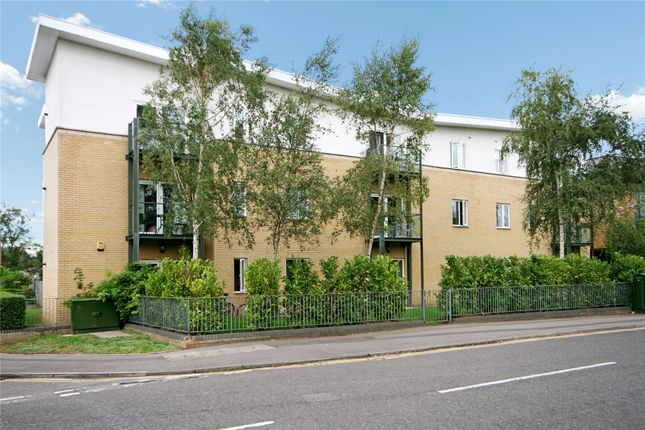 1 bed flat for sale in Byron Road, Addlestone, Surrey