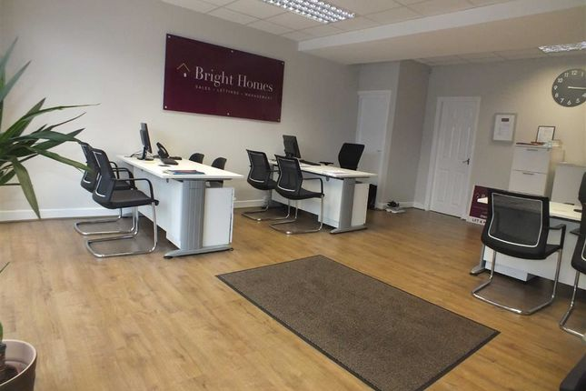 Thumbnail Retail premises to let in Fletcher Street, Ashton-Under-Lyne, Lancashire