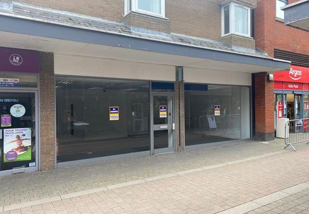 Thumbnail Retail premises to let in Unit 21 & 22, Daniel Owen Shopping Centre, Mold, Flintshire