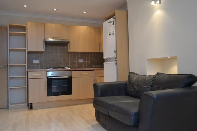 Thumbnail Flat to rent in Ruthin Gardens, Cathays Cardiff
