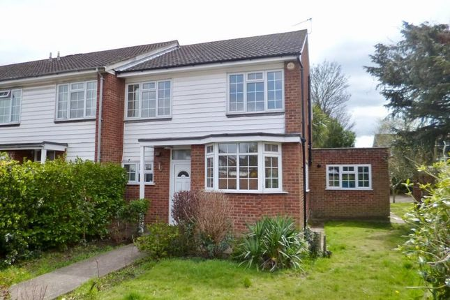 4 bed end terrace house to rent in Burnside Close, Twickenham
