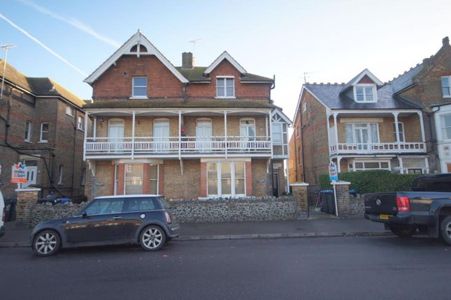 Thumbnail Flat to rent in Roxburgh Road, Westgate-On-Sea