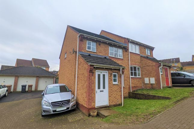 Thumbnail Property to rent in Kingston Close, Andover