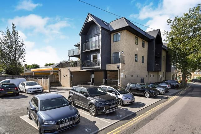 Thumbnail Flat for sale in Half Moon Lane, Epping, Essex