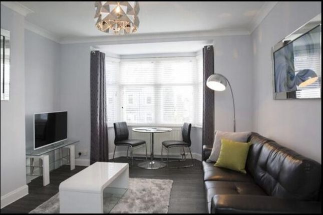 2 bed flat to rent in Great Western Road, Aberdeen