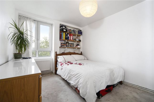 Bedroom of Lakeview, Old Ford Road, London E3
