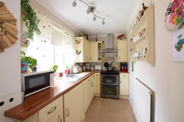 Thumbnail Flat for sale in North Road, Petersfield, Hampshire