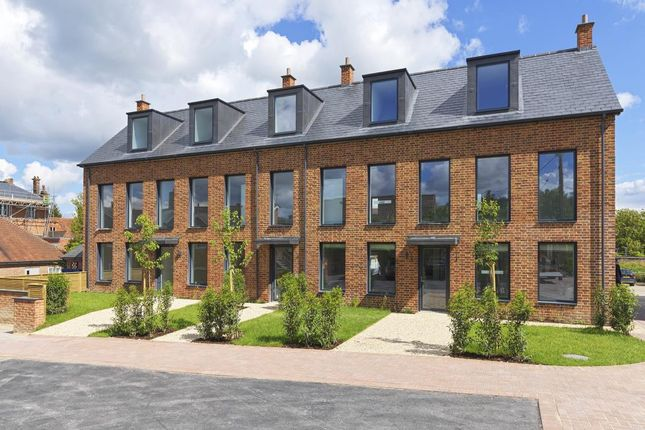 Thumbnail Flat for sale in Hungerford, West Berkshire