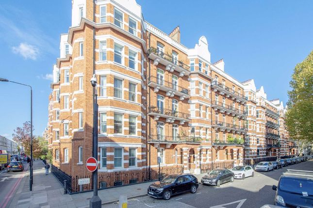 Thumbnail Flat to rent in Trebovir Road, London
